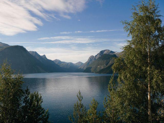 Geiranger_Norway_lake