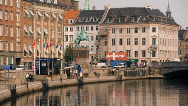 Copenhagen_Waterfront_1