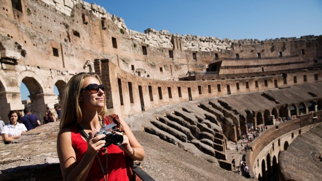 Julia Dimon Experiences the Elite Colosseum Underground & Highlights of Rome Shore Excursion